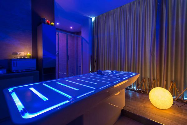 sali-spa-lettino-blu